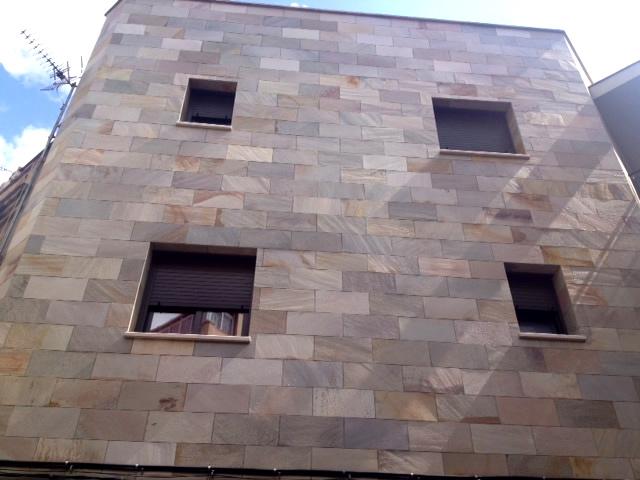 Fachadas for Casa de marmol y granito